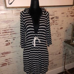 Kenneth Cole Reaction Black &White Hooded Cover-up